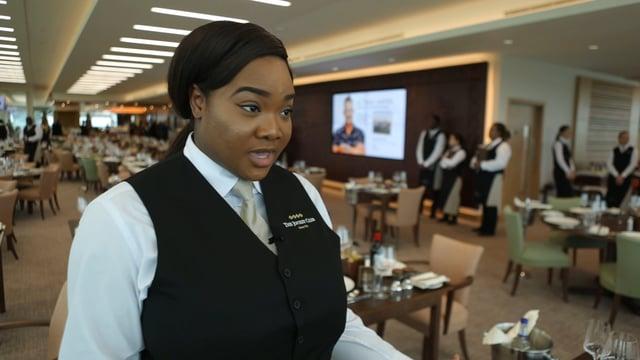 Aisha – Waitress
